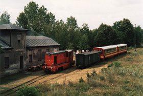 Wycieczka do Anastazewa rozkładowym pociągiem Gnieźnieńskiej Kolei Wąskotorowej.