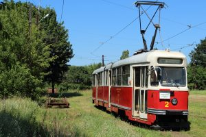 803N #2, w tle wózek pod kolejny wagon generacji n.