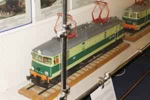 Model lokomotywy elektrycznej EU07.