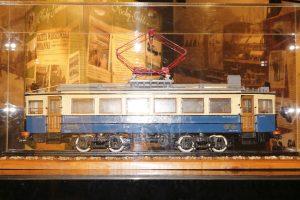 W osobnym pomieszczeniu wystawa dedykowana WKD i model EN80.