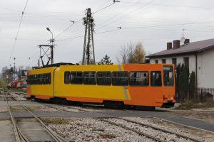 Kanciak - zmodernizowany 803N #37 przed zajezdnią Brus.