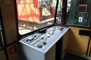 Wnętrze wagonu motorowego SR71-04.